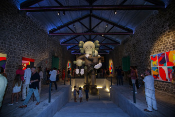 kaws-ibiza-exhibition-002-960x640